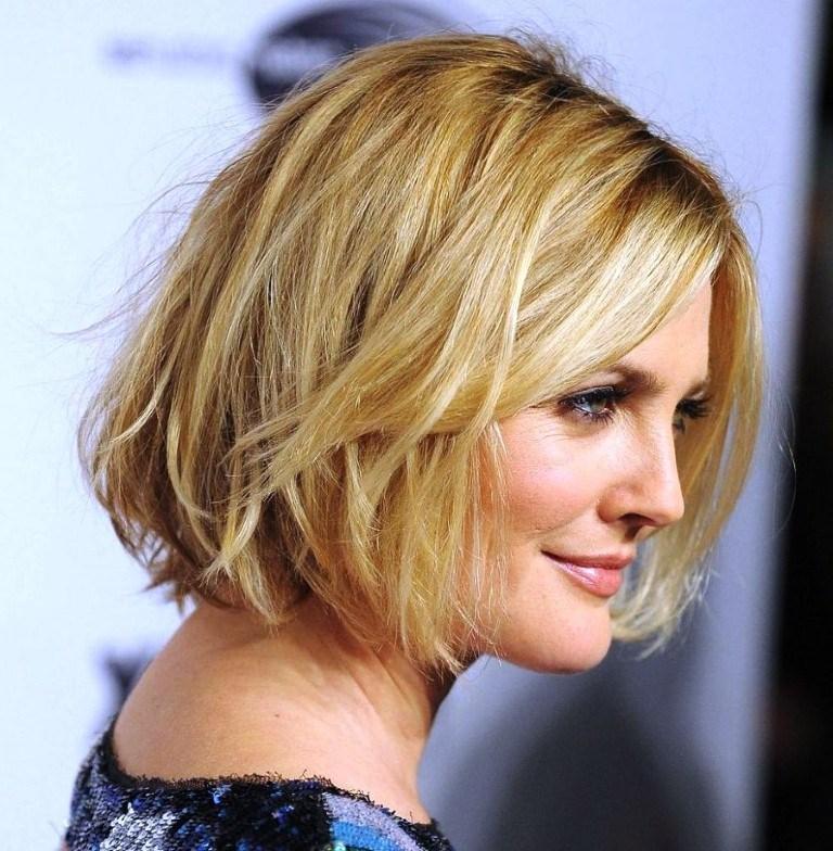 Tagli di capelli corti donne sessantenni